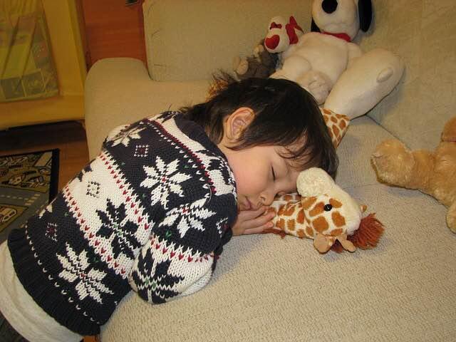 niño-dormir-siesta