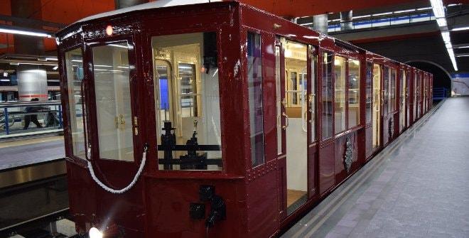 Trenes antiguos de la exposición Metro de Madrid
