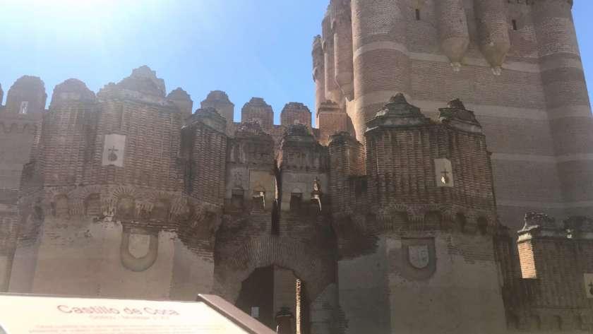 Visitar el castillo de Coca con niños